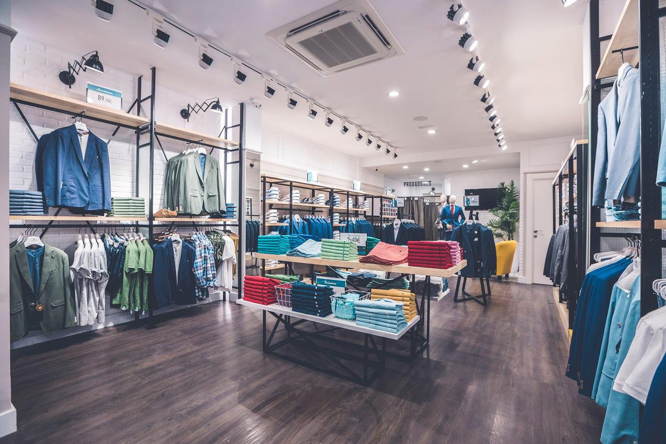 Interior Tienda. Poniendo cara a tu negocio. Reforma de locales PuroEGO en Salamanca | Drékaro Negocios