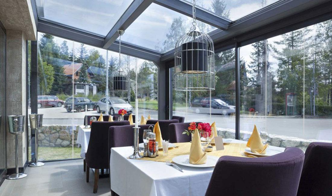 Ventanas y Cerramientos | Cerramiento terraza restaurante | Plan Luz Natural | Drékaro
