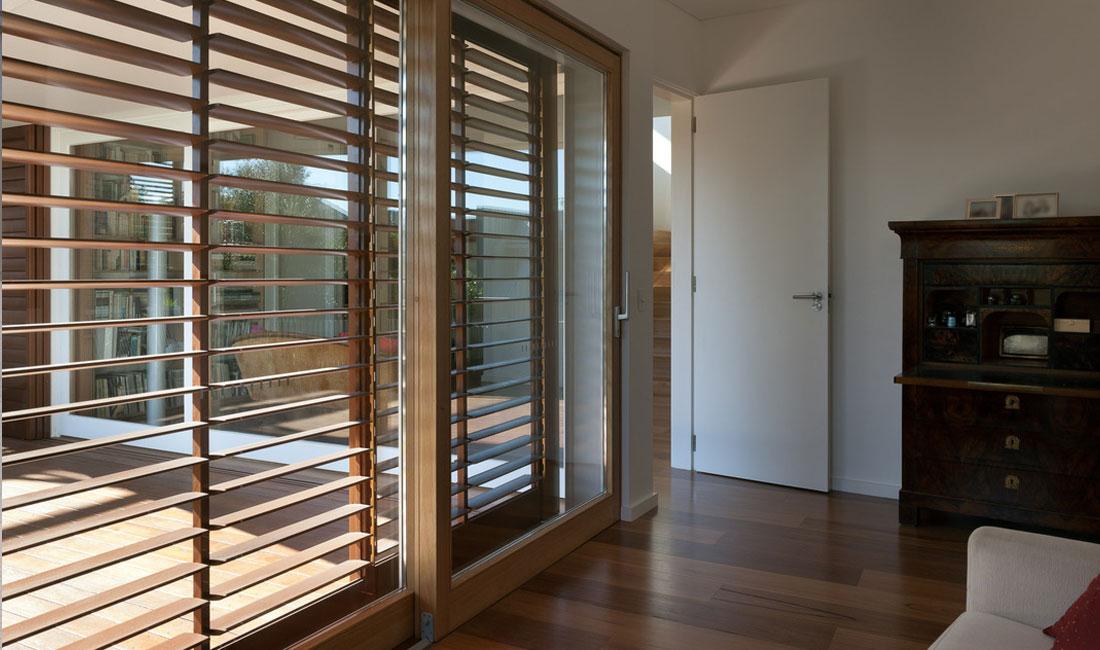 Ventanas y Cerramientos | Celosía interior orientable | Plan Luz Natural | Drékaro