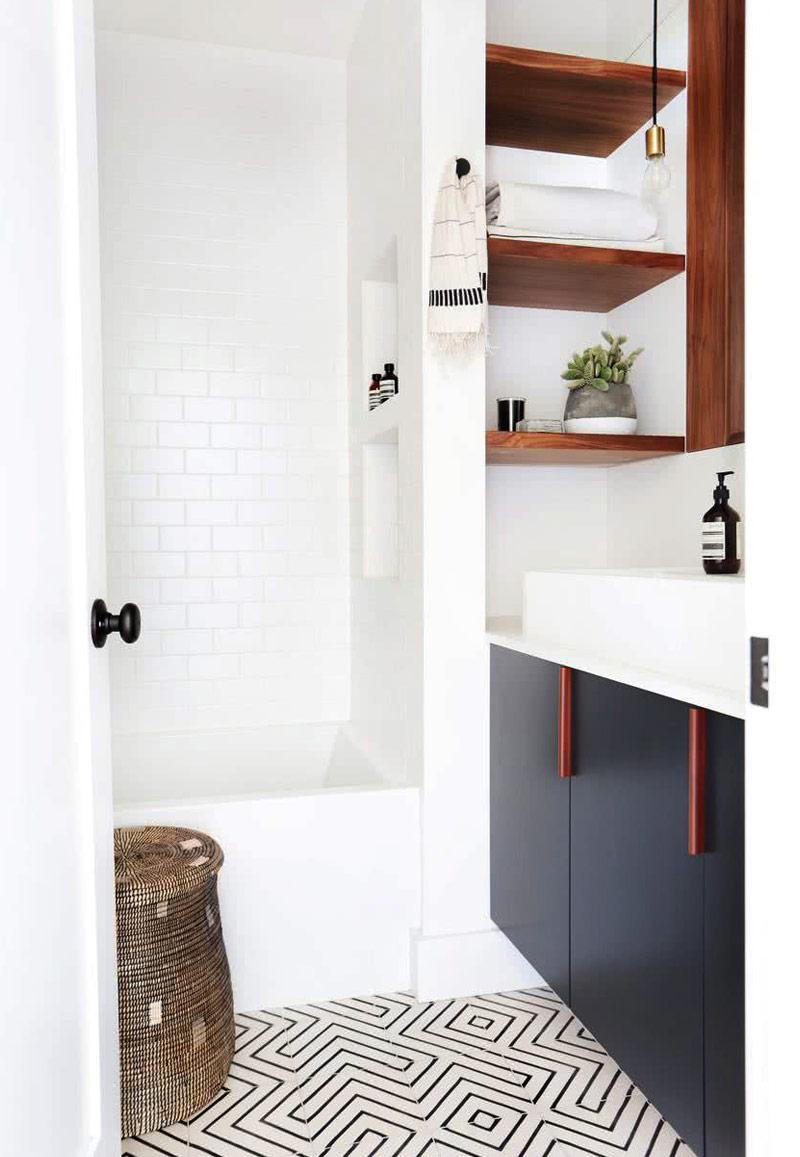 Urban Bath | Estanterías abiertas de carpintería | Especial Baños Pequeños | Tendencias Reformas 2019 | Drékaro