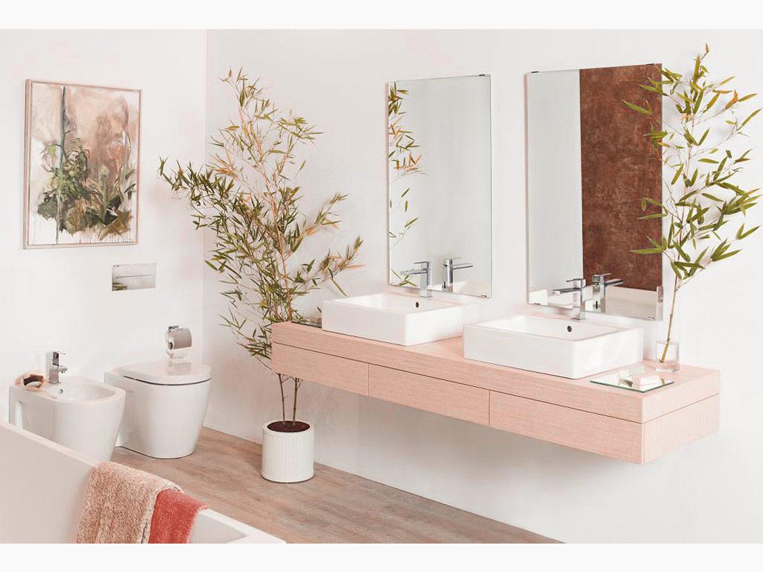 Urban Bath | Total White & Living Coral Color of the Year | Especial Baños Pequeños | Tendencias Reformas 2019 | Drékaro