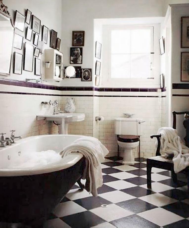 Classic Family Bath | Decoración con Fotos Familiares | Especial Baños Familiares | Tendencias Reformas 2019 | Drékaro