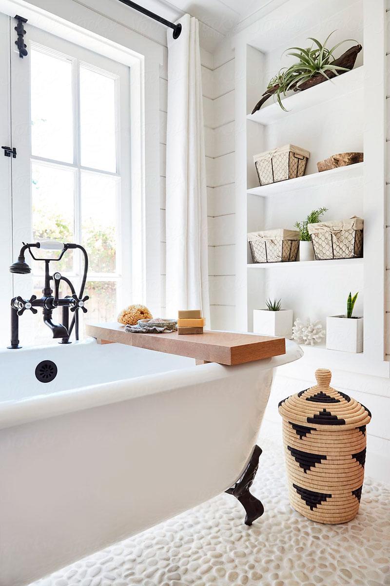 Classic Family Bath | Estanterías de Obra Decorativa | Especial Baños Familiares | Tendencias Reformas 2019 | Drékaro