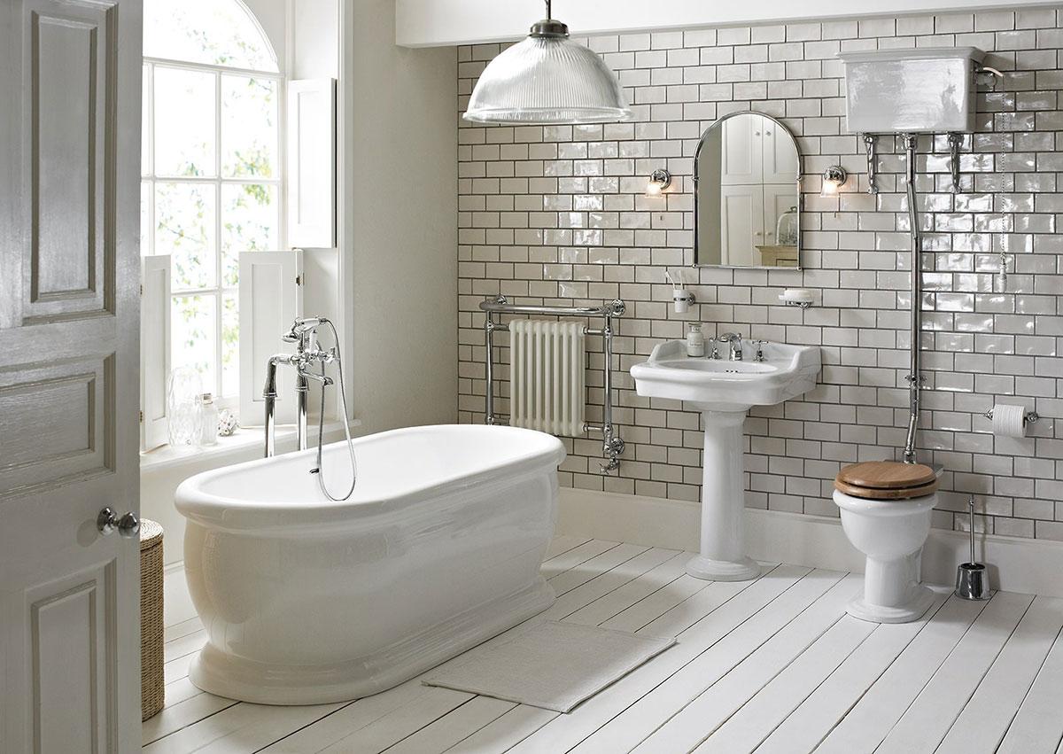 Classic Family Bath | Madera Lacada Blanca | Especial Baños Familiares | Tendencias Reformas 2019 | Drékaro