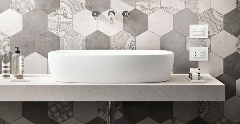 Classic Family Bath | Patrones de Gresite Paredes | Especial Baños Familiares | Tendencias Reformas 2019 | Drékaro