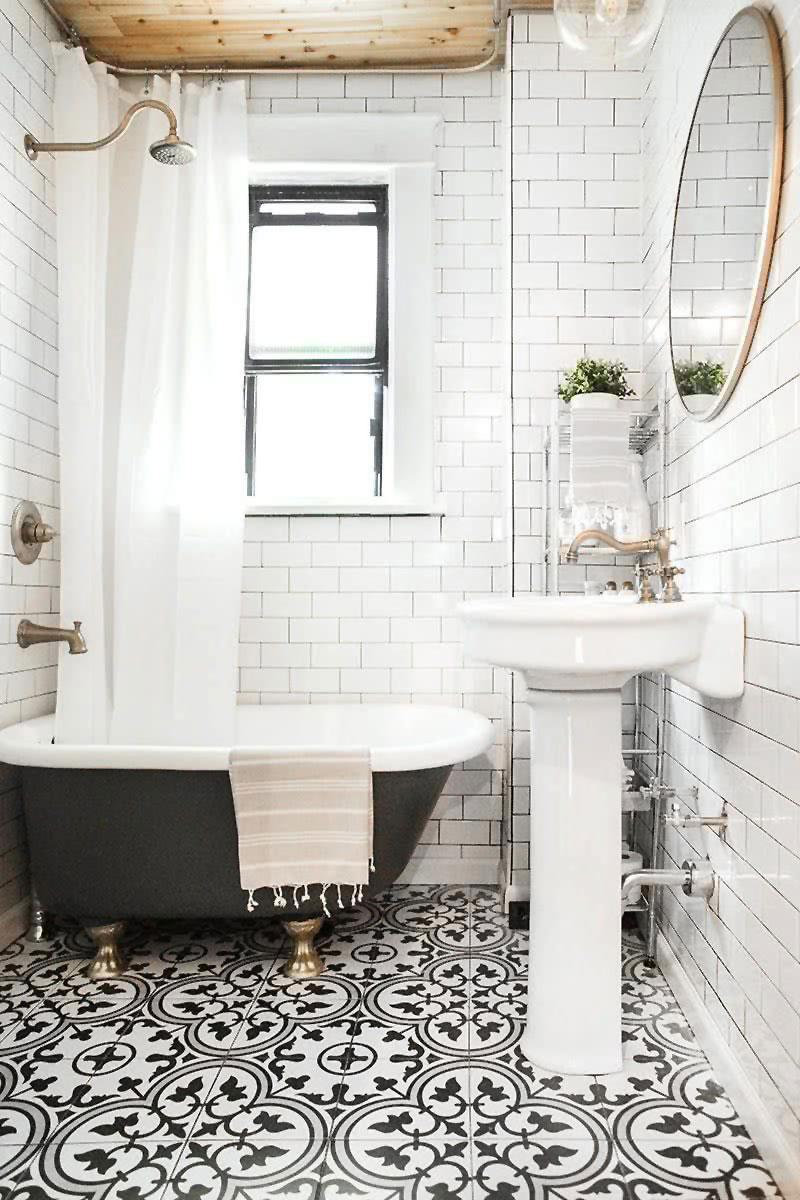 Classic Family Bath | Decoración Retro con Tuberías y Griferías de Cobre | Especial Baños Familiares | Tendencias Reformas 2019 | Drékaro
