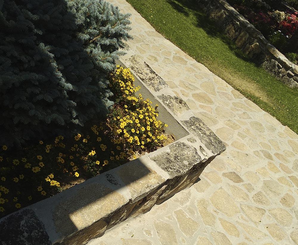 Reforma de Finca Rústica | Refugio en Plena Naturaleza | Proyecto Actuaciones Exteriores | Jardineras de Mampostería | Drékaro