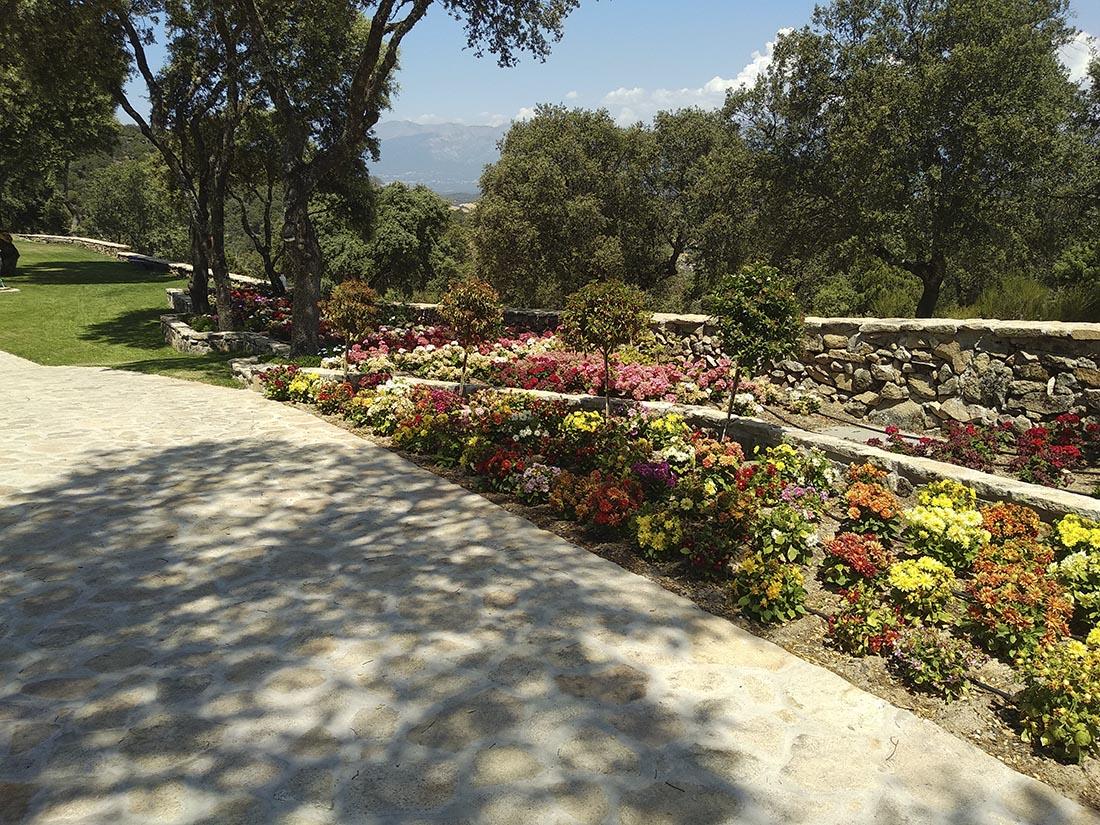 Reforma de Finca Rústica | Refugio en Plena Naturaleza | Proyecto Actuaciones Exteriores | Jardineras y Arriates | Drékaro
