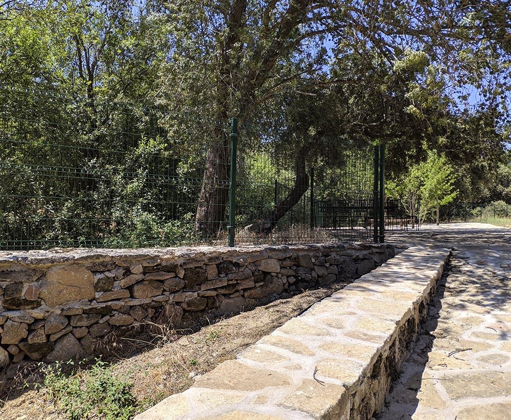 Reforma de Finca Rústica | Refugio en Plena Naturaleza | Proyecto Actuaciones Exteriores | Muros y Verjas | Drékaro