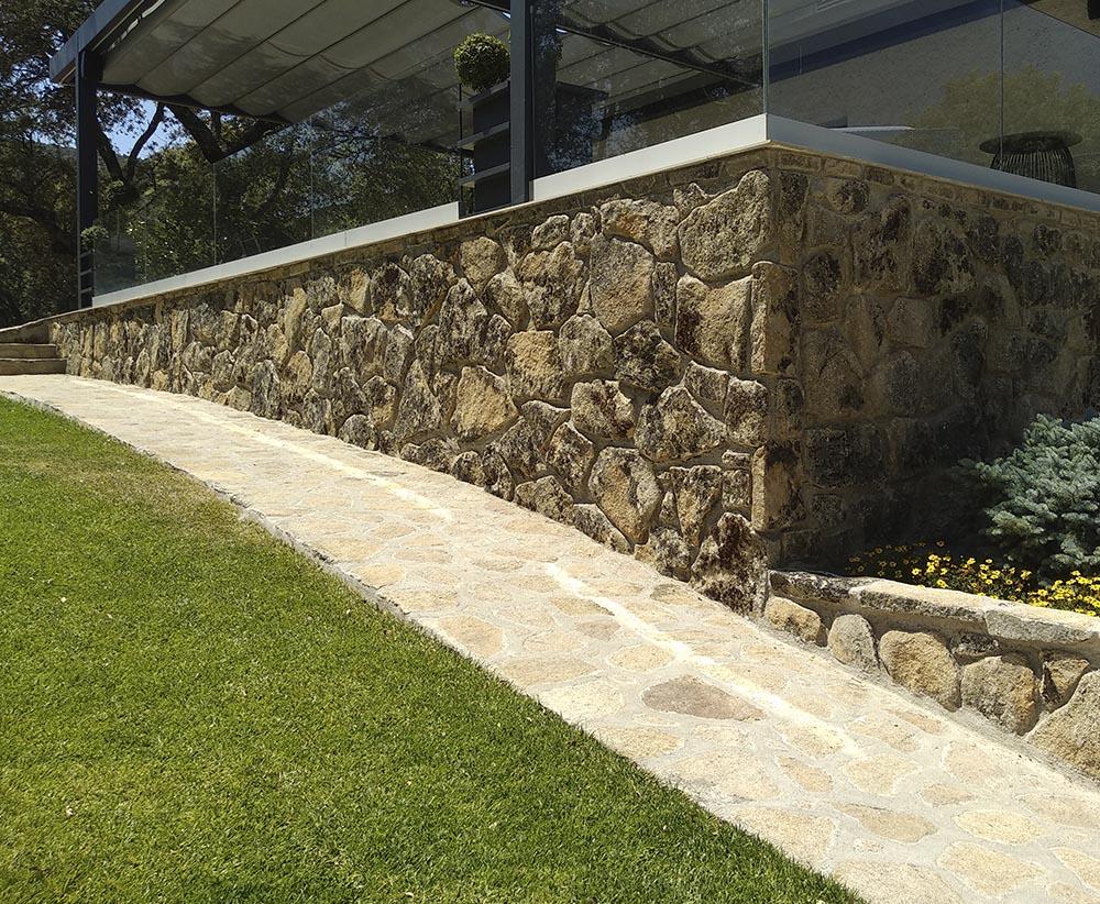 Reforma de Finca Rústica | Refugio en Plena Naturaleza | Proyecto Actuaciones Exteriores | Nivelado Terraza | Drékaro